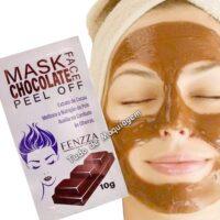 mascara facial chocolate mask da Fenzza no rosto