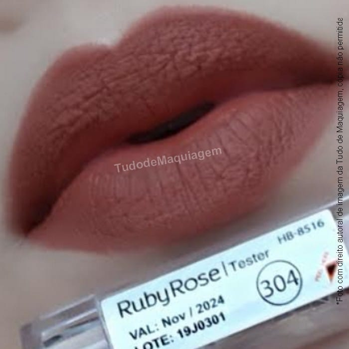 batom matte Ruby Rose Cor 304